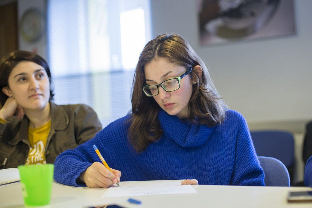 ზამთრის სკოლის მონაწილეებმა შეიტყვეს ნარჩენების მართვის გამოწვევებსა და შესაძლებლობებზე საქართველოში